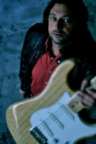 ANDREA SALINI (IL LUPO DEL ROCK), disponibile il suo nuovo album LAMPO GAMMA sui principali Digital Store.